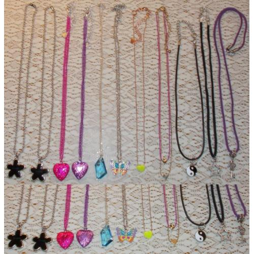 BULK LOT x 11 Fashion Jewellery - NECKLACES / CHAINS - Girls